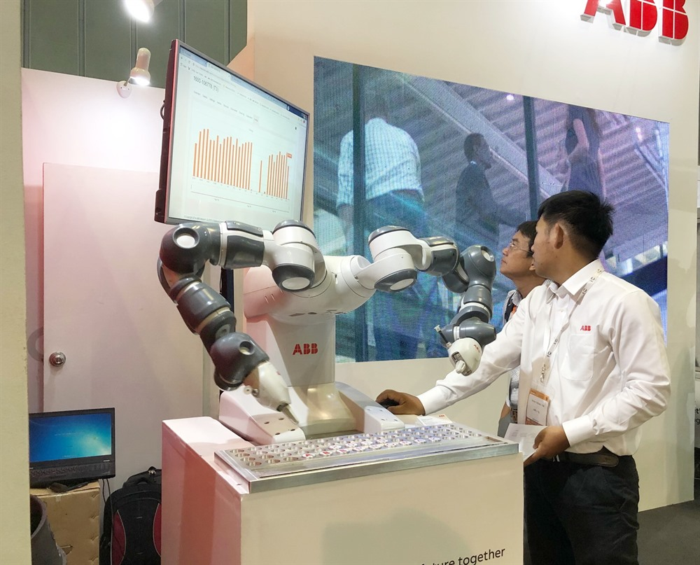 Processing packaging technologies exhibition opens in HCM City