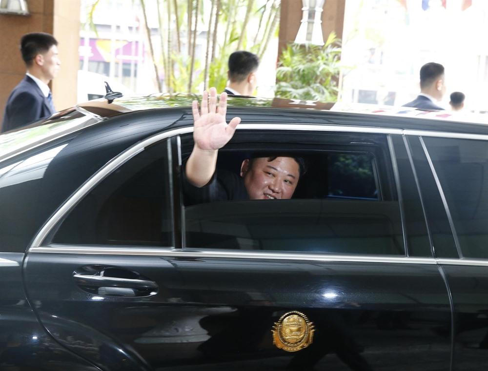 DPRK Chairman Kim Jong-un leaves Hà Nội