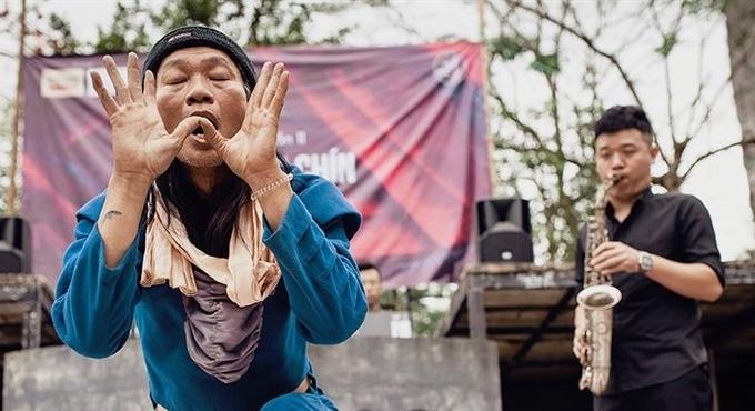A farewell to art: Đào Anh Khánh and his grand finale