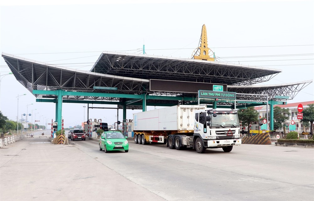 Mỹ Lộc toll station reopens with reduced fees