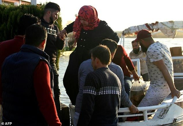 Almost 100 dead as Iraq ferry sinks on spring holiday trip