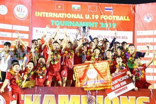 Việt Nam win U19 International title