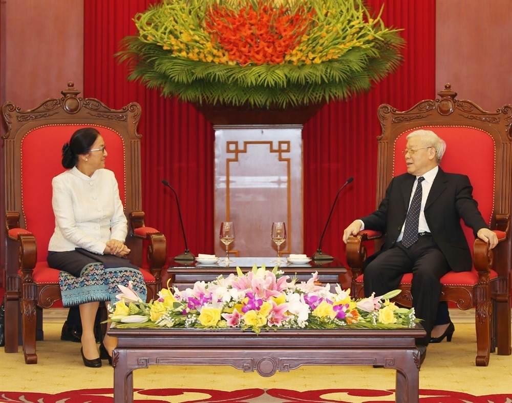 Leader Nguyen Phu Trong receives Lao top legislator