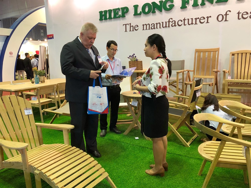 Intl furniture home accessories fair opens in HCM City