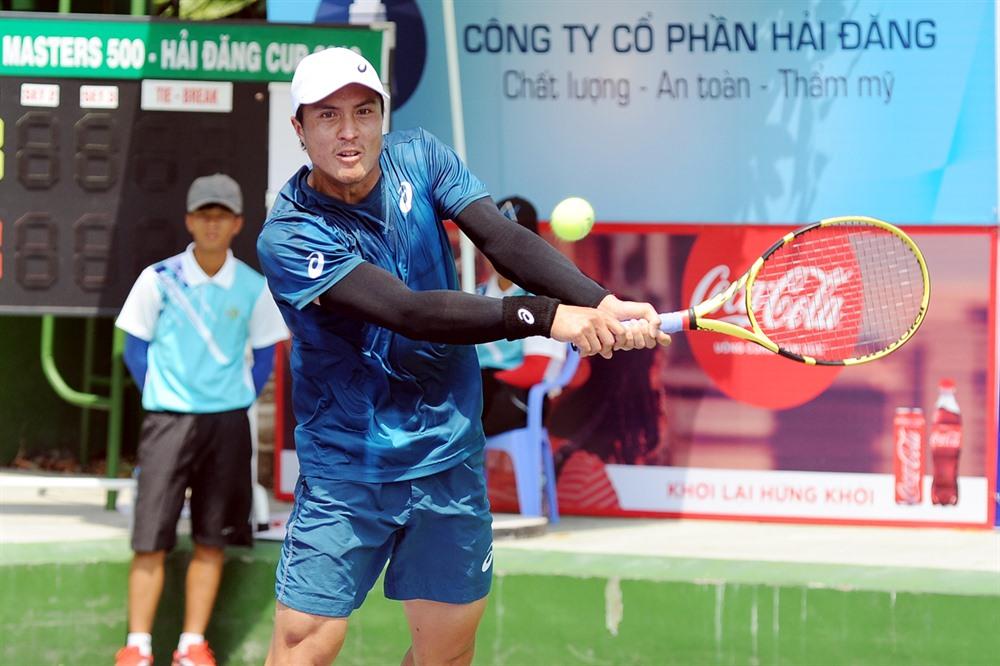 Nguyễn defeats Phương at VTF Masters 500