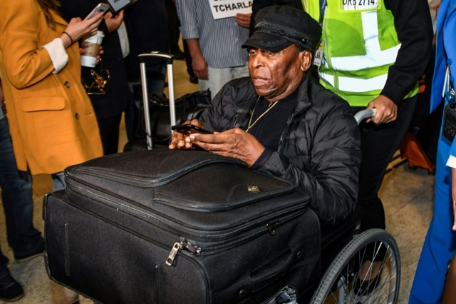 Pele to have urinary tract surgery in Brazil: hospital