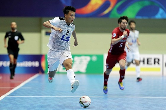 National futsal tournament kicks off in Nha Trang