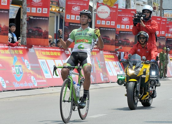 An wins sixth stage of HCM City cycling event