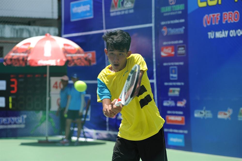 Phương wins first round of VTF Pro Tour