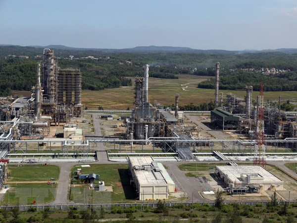 Dung Quất refinery earns 26m in Q1 post-tax profit