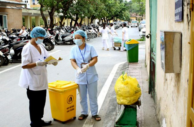 Hà Nội tightens control over medical waste