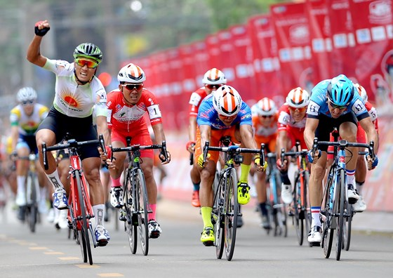 Tâm triumphs in HCM City cycling event