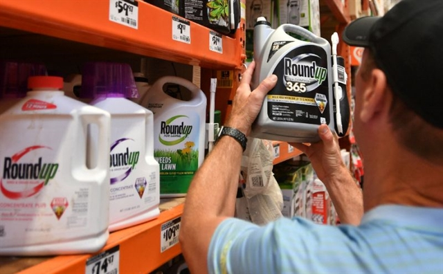 Monsanto ordered to pay 2 bn in new Roundup trial