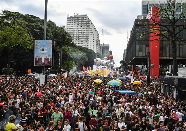 Brazil students teachers in huge budget cuts protests