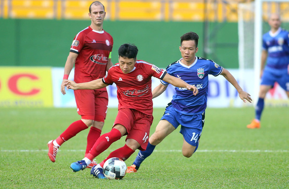 Thuận signs three-year contract extension with HCM City
