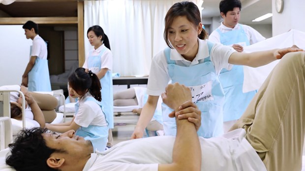 Việt Nam wants to send more nurses abroad but authorities urged caution