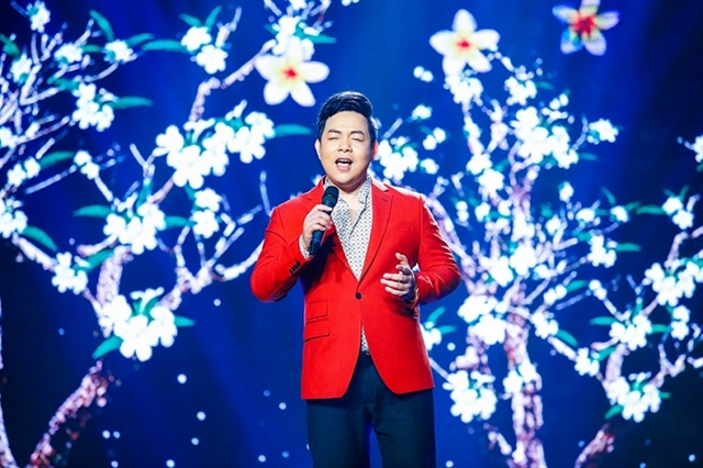 Going it alone: Việt kiều singer Quang Lê to perform solo in HCM City