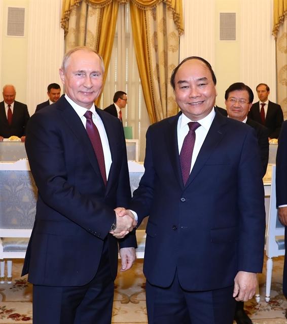 PM Nguyễn Xuân Phúc meets Russian President Vladimir Putin