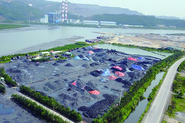 Polluted Diễn Vọng River threatens Hạ Long Bay
