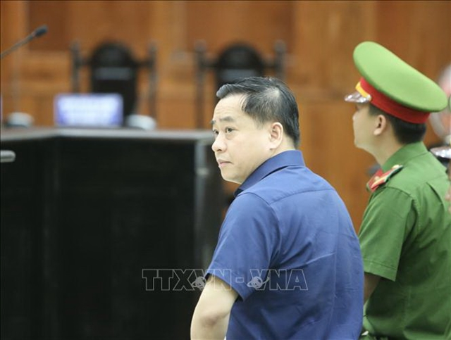 Court resumes Đông Á Bank appeals trial