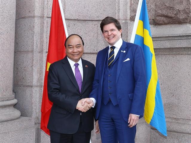 PM Phúc meets Swedish parliament speaker diplomats