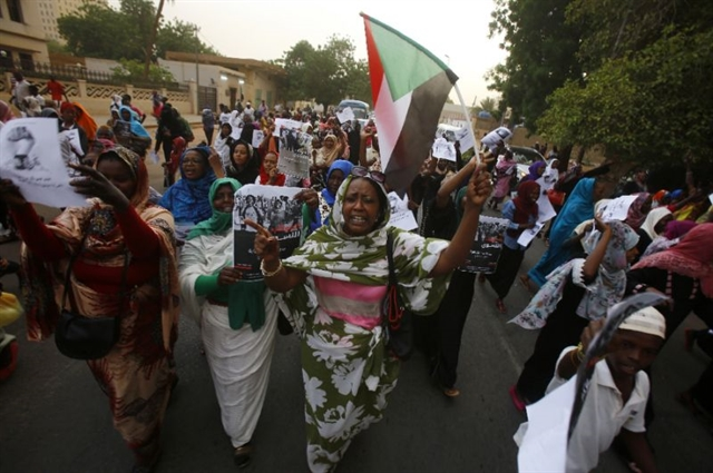 Sudanese protest at military HQ Al Jazeera office ordered shut