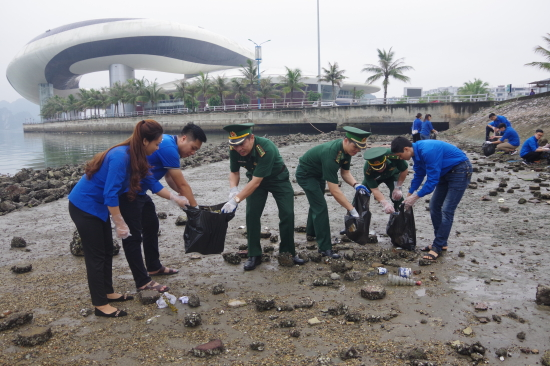 Young people in Quảng Ninh Sóc Trăng join environmental campaigns
