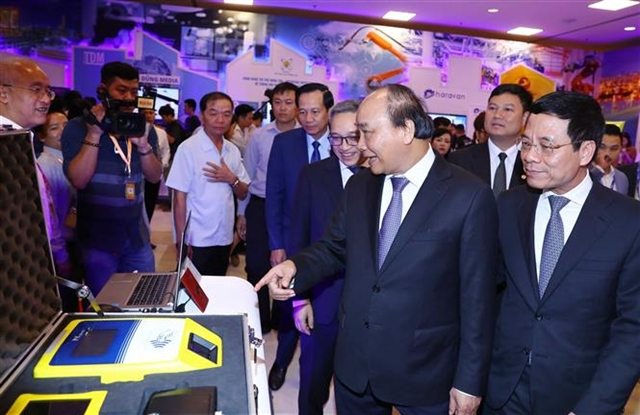 Tech can lead Việt Nam past the middle-income trap: forum