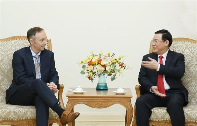 Deputy PM Huệ receives Nike Vice Chairman