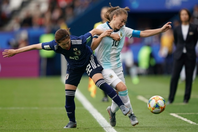 On day of defence Canada win but Argentina thwart Japan