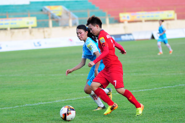 Phong Phú Hà Nam thrash Sơn La at national football champs