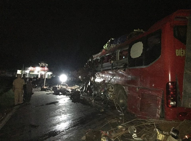 3 die 38 injured in sleeper bus truck collision