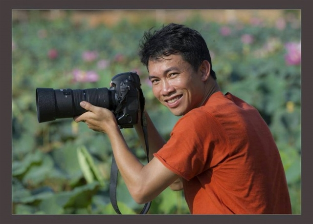 Photographer on aplastic waste mission