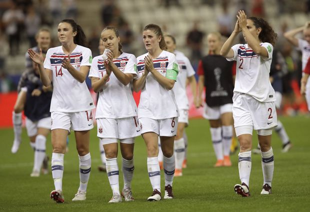 Norway advance to World Cup knockouts as France top group