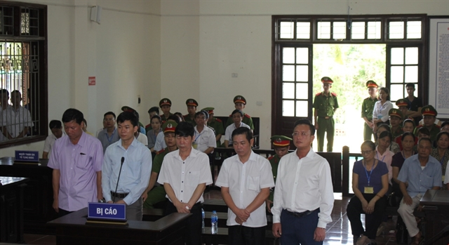 Five defendants in deadly Hòa Bình medical incident get sentences reduced