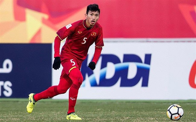 Hậu to make record move to Europe