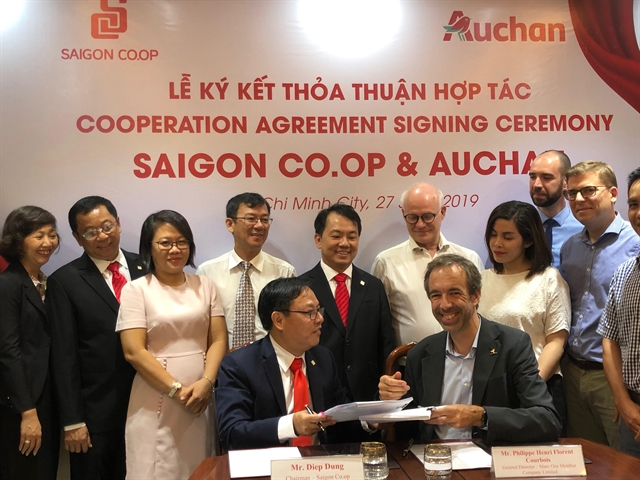 Saigon Co.op buys out French retailer Auchan