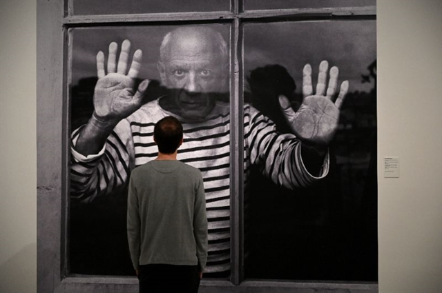 Picasso captured by the photographers eye in new exhibition