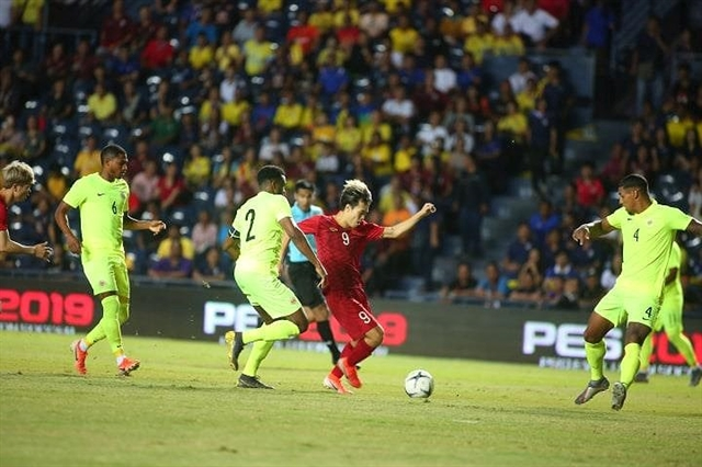 Việt Nam lose to Curacao in Kings Cup final after penalty shootout