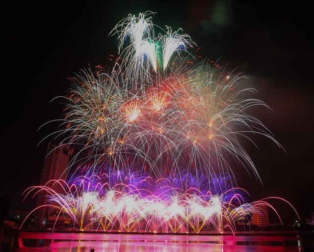 Belgium Brazil debut at Đà Nẵng fireworks fest