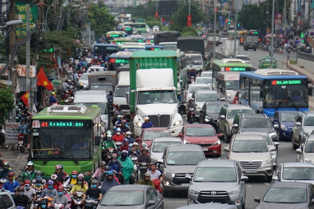 CIty seeks ways to speed up construction of HCM City–Mộc Bài Highway