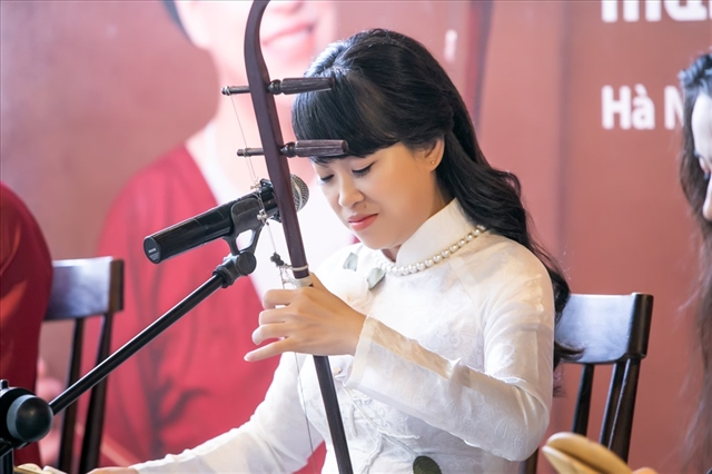 Artist plans to hold national xẩm festival