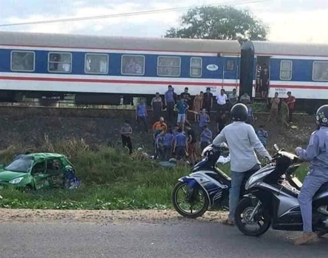 Train-car collision kills two injures three in Quảng Ngãi