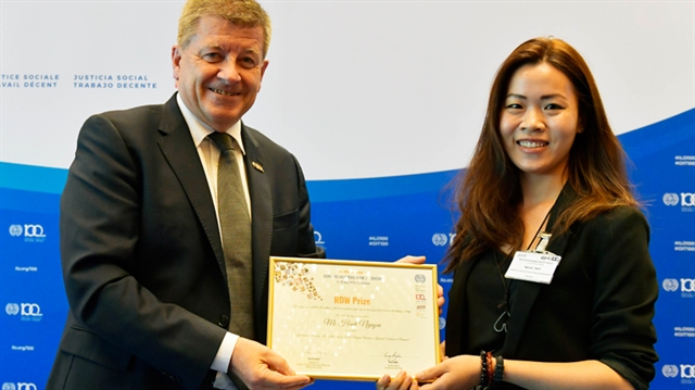 Academics study of migrant workers wins prize from ILO