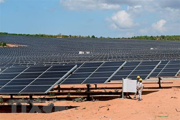 Solar power glut overloads power transmission lines in Ninh Thuận Bình Thuận