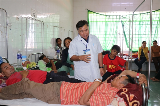 More than 250 people hospitalised for food poisoning