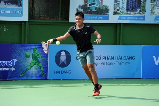 Nam wins a match for first time at ATP 110 event