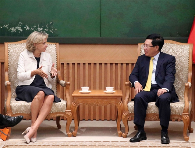 Deputy PM Phạm Bình Minh receives leader of French region