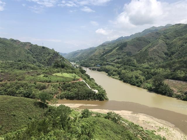 Lũng Pô - where the Hồng River flows into Việt Nam