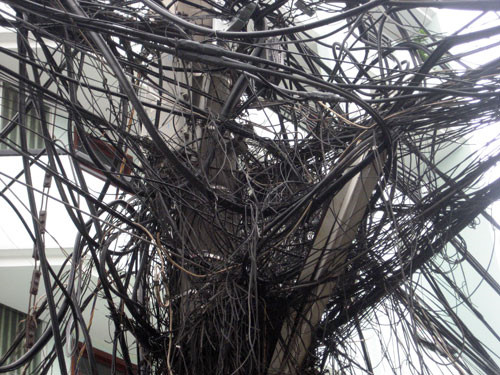 HCM Citys overhead electrical cables to be buried underground by 2025